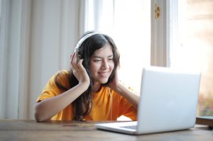 listening to remote workers